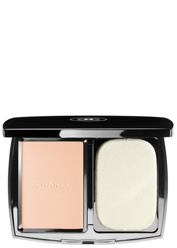 Chanel Vitalumiere Compact Douceur Foundations Beige Rose B30