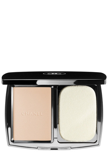 Chanel Vitalumiere Compact Douceur Foundations Beige Rose B5R22